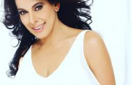 WHY ALL MEN SHOULD STAND UP  AND SALUTE POOJA BEDI
