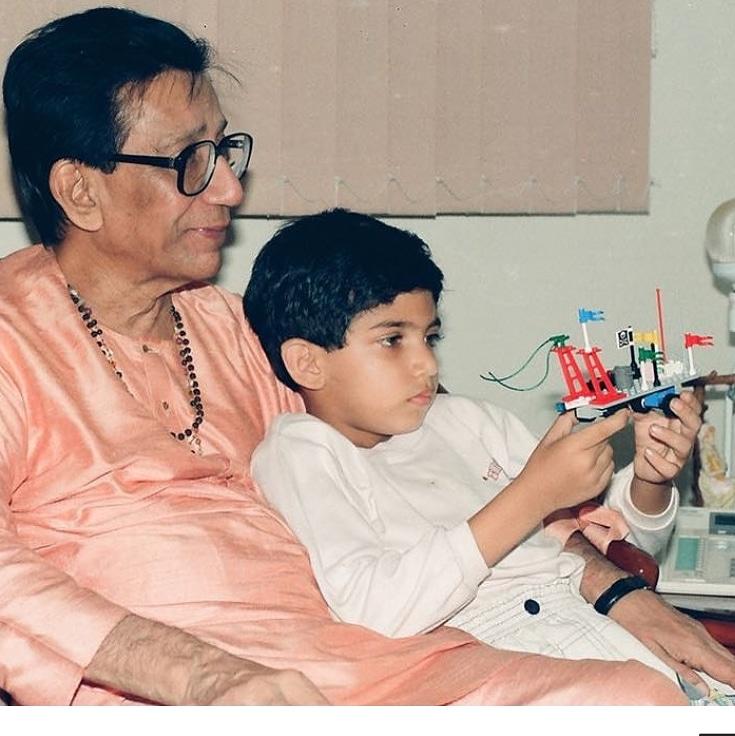 Maharashtra Cabinet Minister Aaditya Thackeray shares throwback pic with Bal Thackeray on his birth anniversary