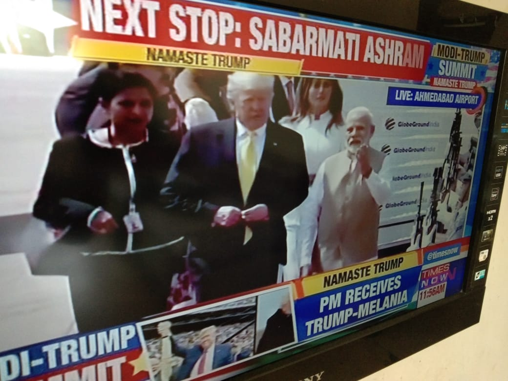 Trump arrives, gets rousing reception...