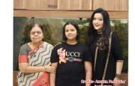 How much Devendra Fadnavis's daughter's Gucci t-shirt worth?