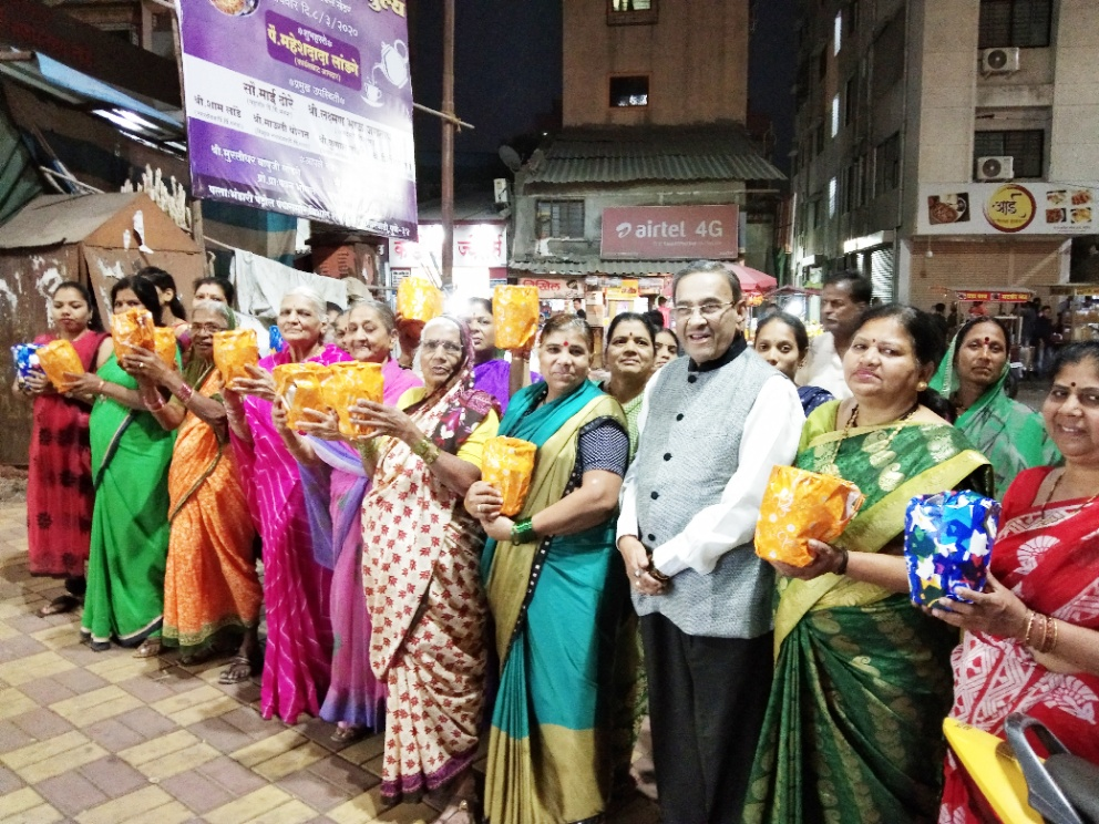 22 inspirational women of Pimpri-Chinchwad honoured by Suvarna boss Mr P I Varghese on Women' s Day..