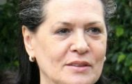 Sonia Gandhi's healing touch for distressed migrant labourers