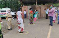 Sadhu Vaswani Mission undertakes a massive relief effort distributes 2100 ration kits in Anand Nagar, PimpriChinchwad Municipal Corporation biggest slum...