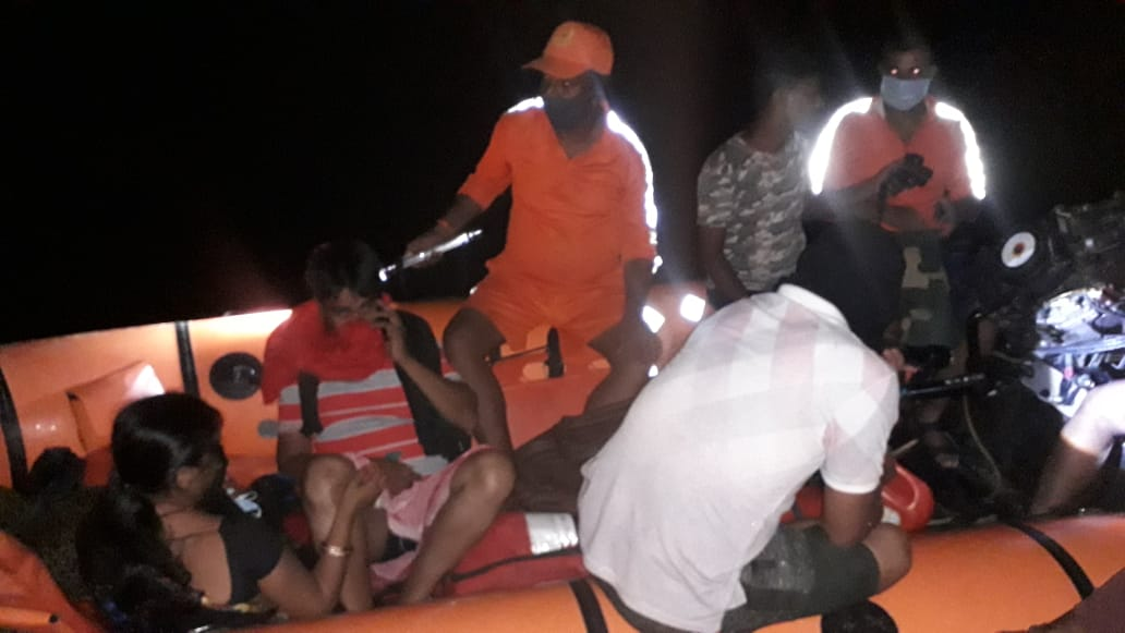 9th Battalion of NDRF rescuing a young pregnant woman and her family members from a village badly affected by the Baghmati river in Hanumannagar block of Darbanga district.