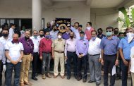 Lions Club of Bhosari, Pune felicitates Senior Police Inspector Vivek Lawand and other Police personnel ...