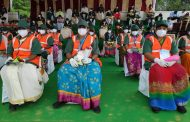 Bengaluru: Special invitees pourakarmikas at IndependenceDay celebration in Bengaluru. These Corona Warriors need a special mention for keeping Bengaluru city clean and green.