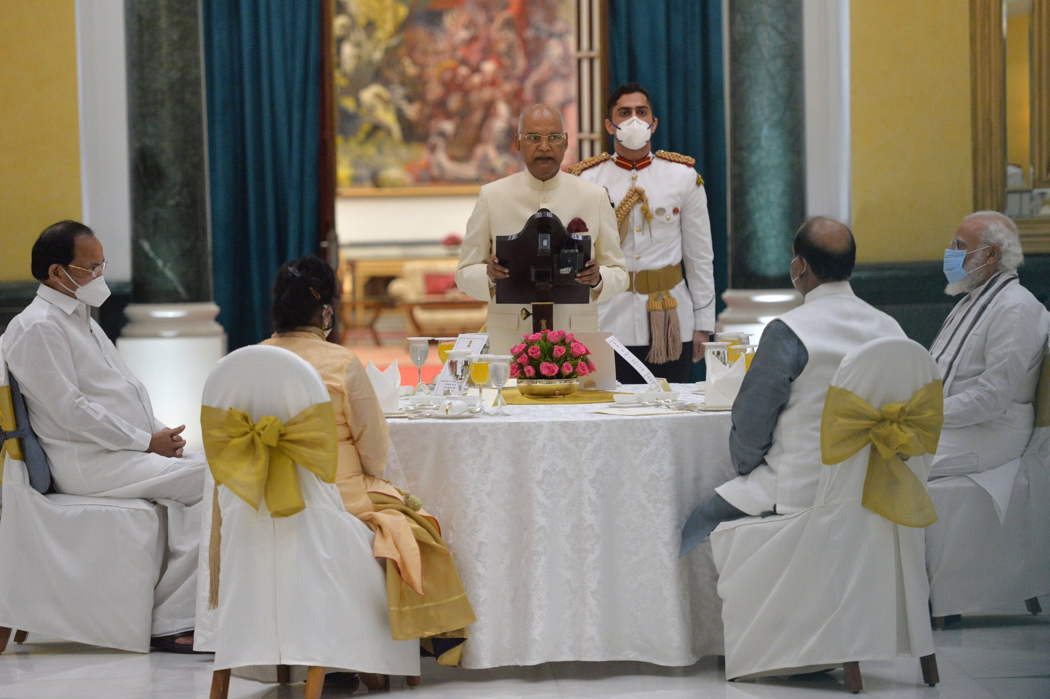 President Kovind hosted 'At Home' reception on Independence Day at Rashtrapati Bhavan. The President invited some frontline Corona Warriors working in Delhi as special guests and lauded their courage and dedication in saving countless lives across the country.