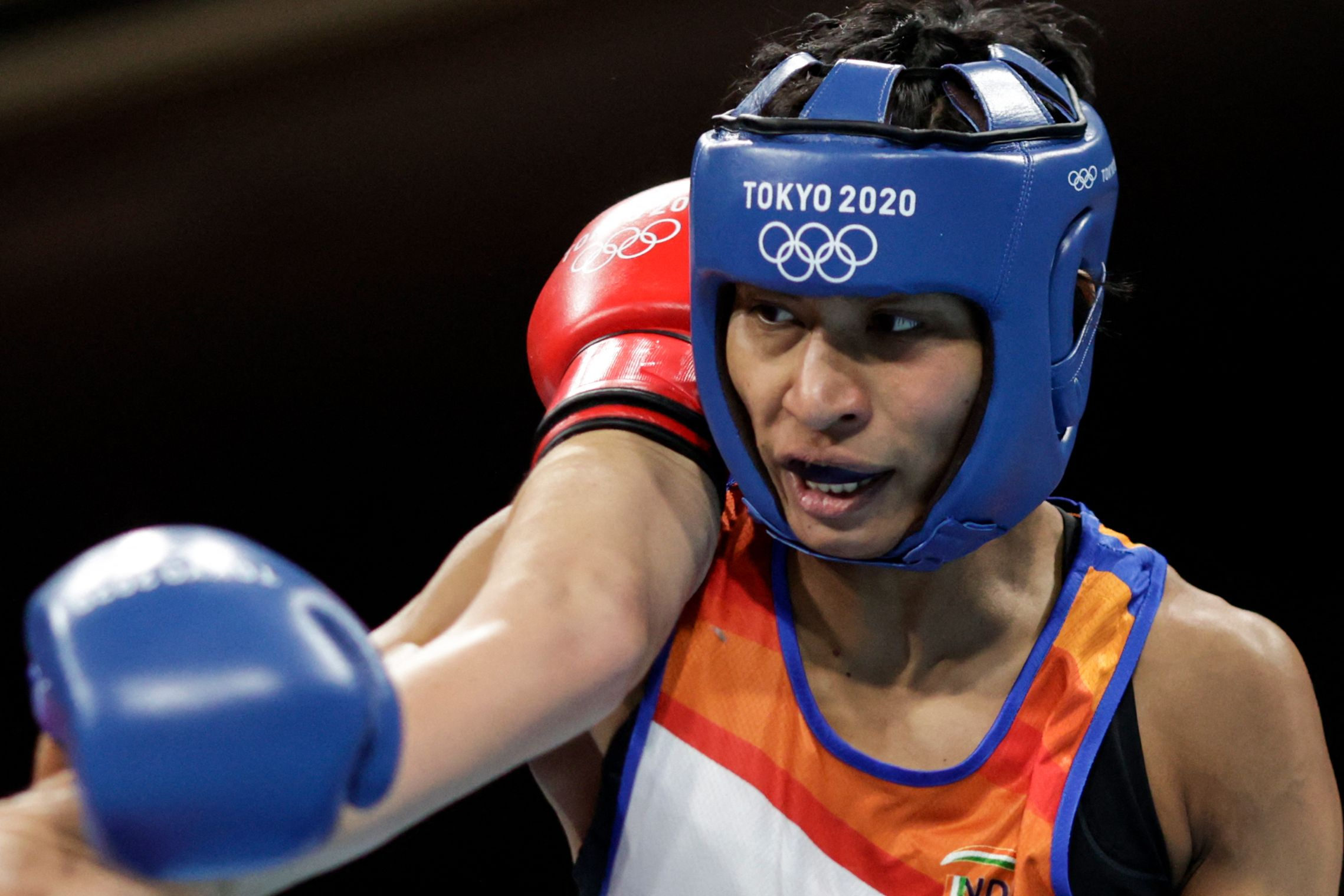 Lovlina Borgohain assures second medal of the #TokyoOlympics for India by winning her women's welterweight quarterfinal vs Chinese Taipei's Nien Chin Chen