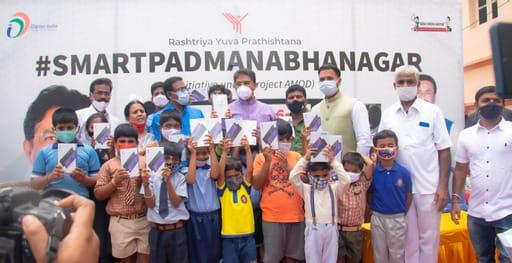 Pramod Srinivas of Rashtriya Yuva Prathishtana arranges free tabs to facilitate online learning for needy children...